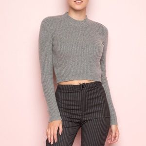 BRANDY MELVILLE Cropped Grey Sweater